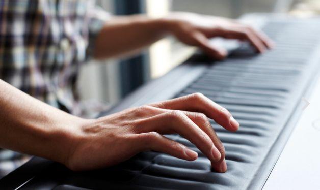 斬新すぎる鍵盤ROLI:Seaboard、鍵盤なのにスライド演奏も可能!