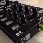 PCDJコントローラーNative Instruments Traktor Kontrol X1のレビュー