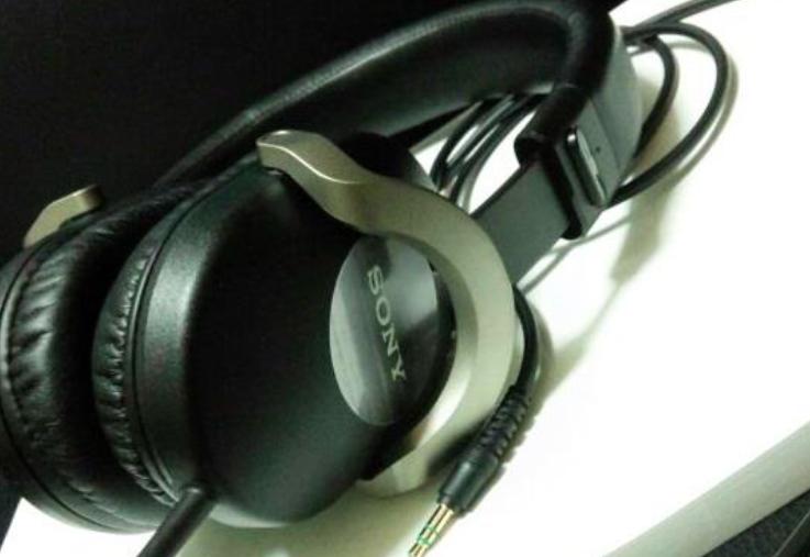 ヘッドホン:SONY MDR-ZX700のレビュー